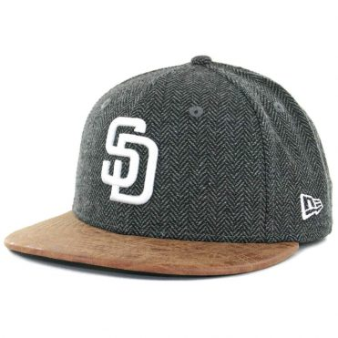 e261efa1f89 ... New Era x Billion Creation 59Fifty San Diego Padres Herringbone Leather  Fitted Hat Black Tan ...