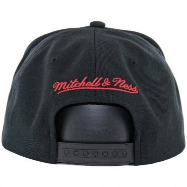 Mitchell & Ness Chicago Blackhawks Wool Solid 2 Snapback Hat Black