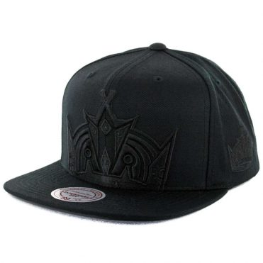 Mitchell & Ness Los Angeles Kings Cropped XL Logo Snapback Hat Black