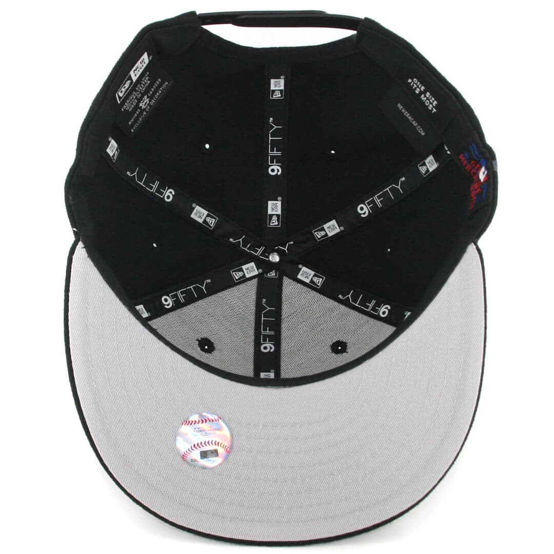8586f1943cd New Era 9Fifty New York Yankees Side Flect Snapback Hat Black. 🔍.  29.99