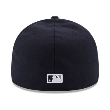 New Era 59Fifty New York Yankees 2017 Game Youth Authentic On Field Fitted Hat