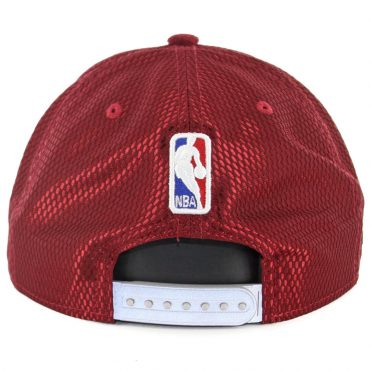New Era 9Fifty Cleveland Cavaliers 2017 On Court Snapback Hat Burgundy