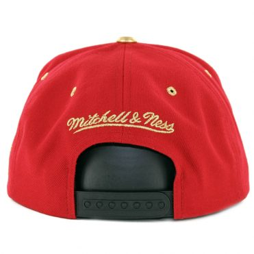 Mitchell & Ness Chicago Bulls Gold Tip Snapback Hat Red Black