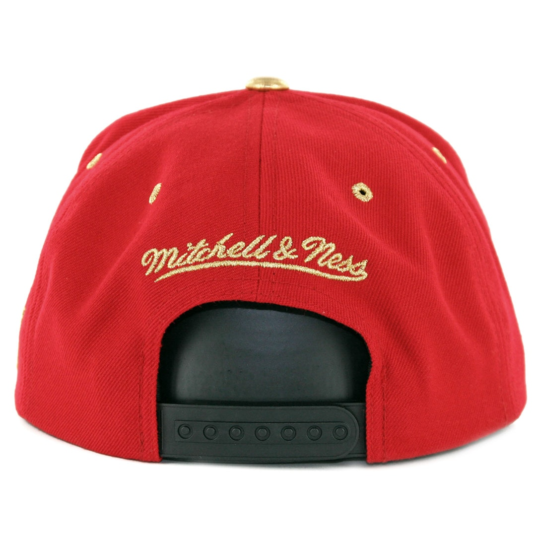Mitchell   Ness Chicago Bulls Gold Tip Snapback Hat Red Black ... ac8c3312fee