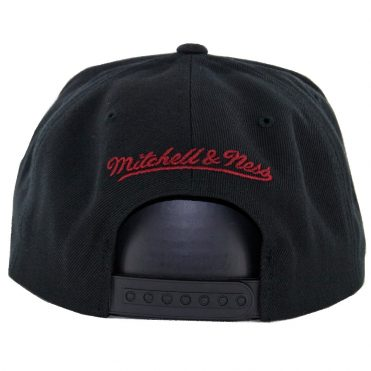 Mitchell & Ness Cleveland Cavaliers Easy 3 Digital XL Snapback Hat Black