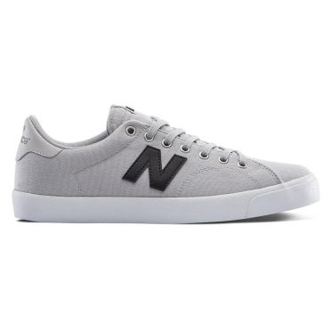 New Balance 210 Shoe Black Grey