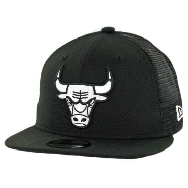 New Era 9Fifty Chicago Bulls Trucker Snapback Hat Black White