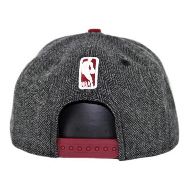 New Era 9Fifty Cleveland Cavaliers Pattern Pop Snapback Hat Heather Graphite Burgundy